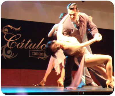 Catulo Tango show in Buenos Aires beauty steps of sensual Tango