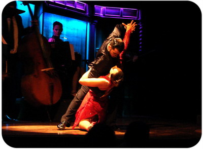 Tickets for Tango show in Buenos Aires El Querandi sensual final tango pose