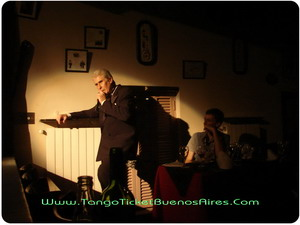 Singer at Tango Dinner Show in Buenos Aires Complejo Tango