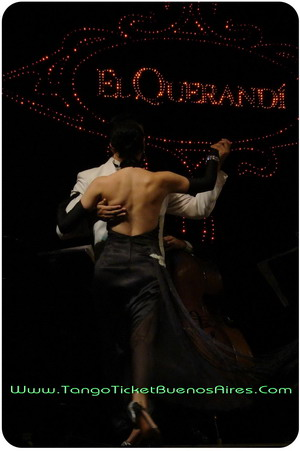 tango couple at el querandi tango dinner show in buenos aires