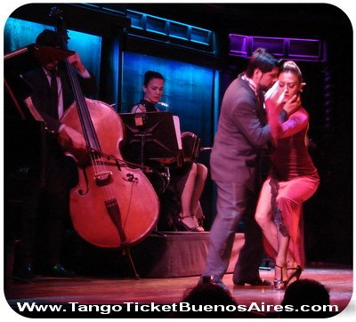 Tickets for tango show in Buenos Aires El Querandi passionate caress in a tango dance