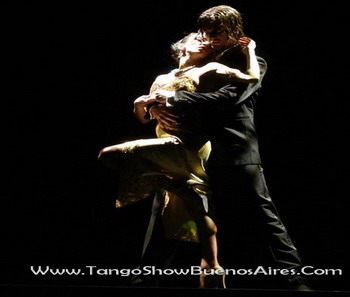 Sensuality at Esquina Carlos Gardel Tango Dinner Show in Buenos Aires