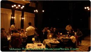 dinner time at el querandi tango dinner show in buenos aires