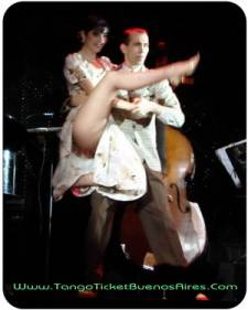 sensuality at el querandi tango dinner show in buenos aires